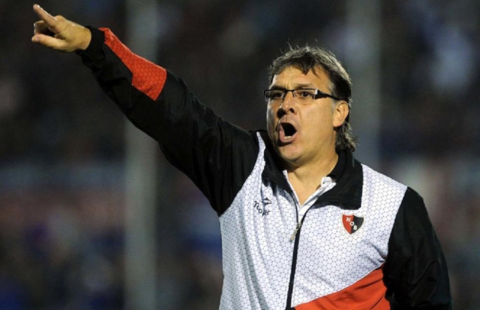 Campeão argentino negocia e pode ser o novo técnico do Santos