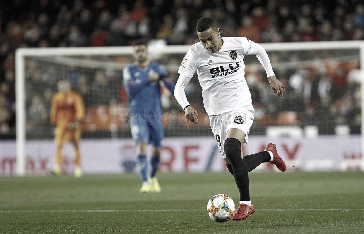 Com gols nos minutos finais, Valencia bate Getafe e avança na Copa do Rei