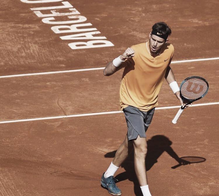 Supresa: Jarry elimina A. Zverev e está classificado para as oitavas do ATP 500 de Barcelona