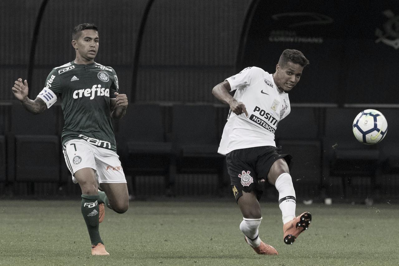 Em jogo de dois tempos distintos, Corinthians e Palmeiras ficam no empate