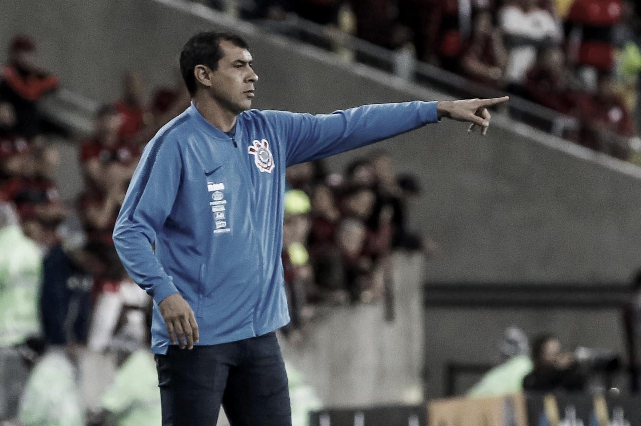 """Apesar da eliminação para o Flamengo, Carille destaca: """"Saímos de cabeça erguida"""""""