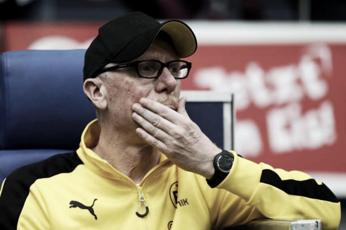 Peter Stöger lamenta derrota do Dortmund em dérbi e se preocupa com lesão de Batshuayi