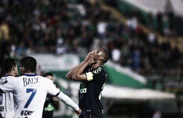 Com muitas chances perdidas, Chapecoense fica no empate sem gols contra Tubarão
