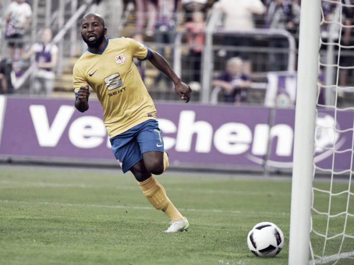 Erzgebirge Aue 0-2 Eintracht Braunschweig: Kumbela maintains 100% record for leaders