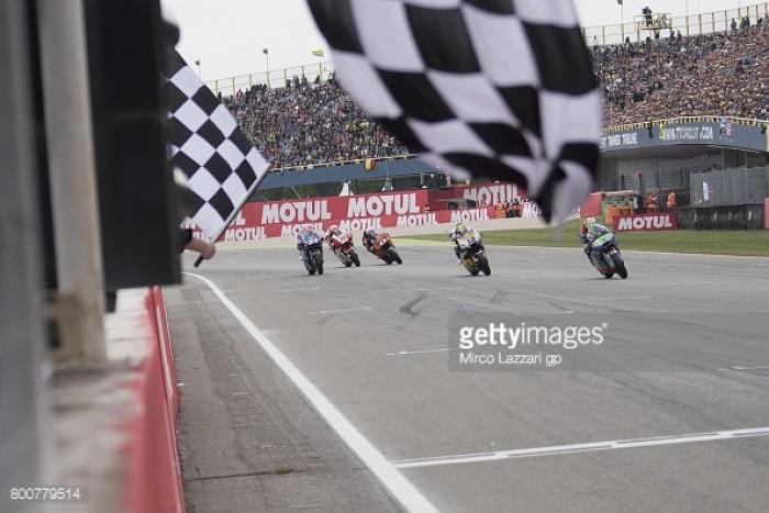 Moto2: Intense battle for Assen podium