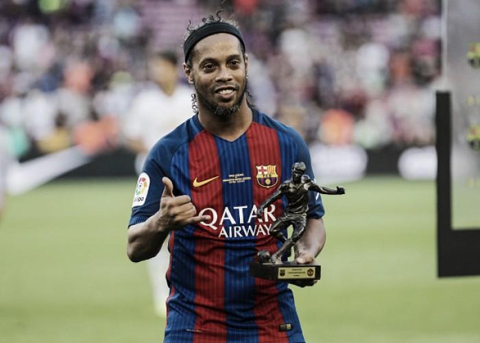 """Em tom festivo, Ronaldinho fala sobre partida comemorativa em BH: """"A empolgação é grande"""""""