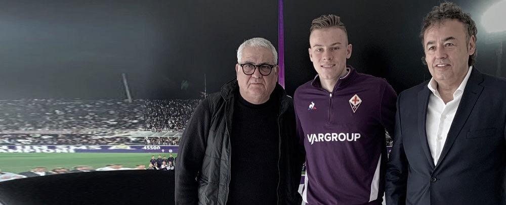 Fiorentina anuncia jovem meia Szymon Zurkowski, da Seleção Polonesa sub-21