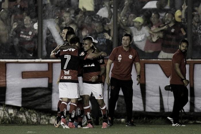 Éverton decide clássico e Flamengo vence Vasco da Gama em São Januário após 44 anos