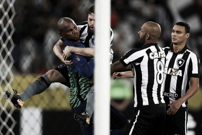 Jefferson tem atuação de gala e Botafogo arranca empate do Atlético-MG no fim