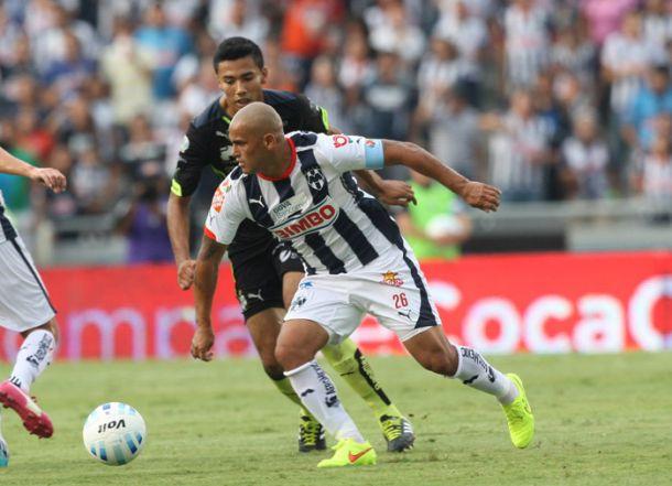 Con muchas intenciones pero poca claridad, Rayados y Santos empatan sin goles