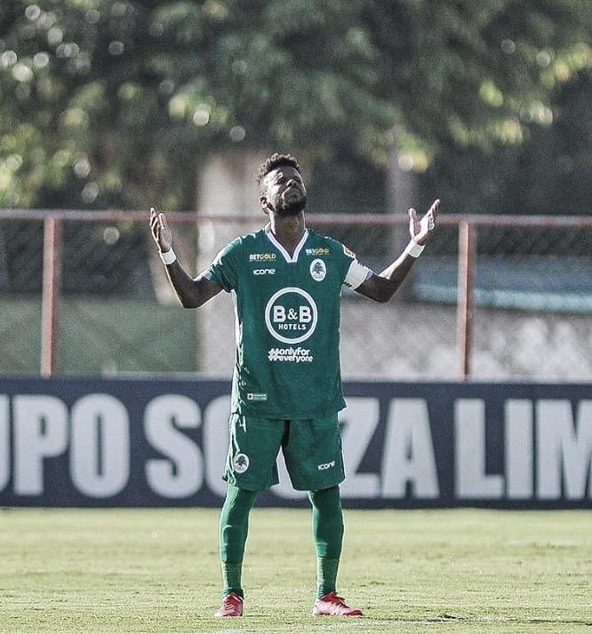 Volta Redonda anuncia meia Erick Flores para disputa da Série C