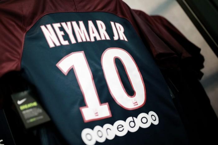 Favoritismo do PSG e sofrimento da concorrência: o impacto da chegada de Neymar à Ligue 1