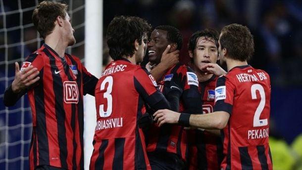 Com Ramos inspirado, Hertha Berlin goleia Hamburgo fora de casa