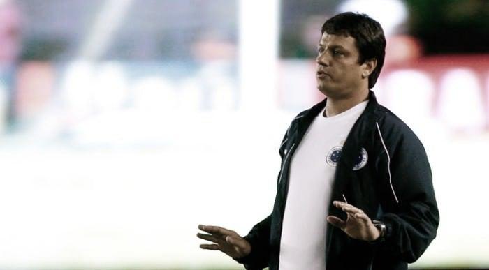 Sem combinar contrato, Adilson Batista é anunciado como novo técnico do Cruzeiro