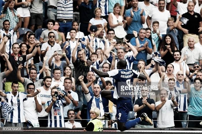 Hat-trick de Aboubakar dá vitória ao FC Porto
