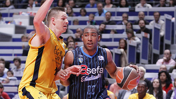 El ex-amarillo Carl English destroza al Herbalife Gran Canaria