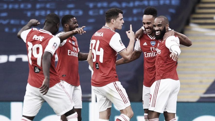 Aubameyang faz a diferença, Arsenal desbanca Manchester City e vai à decisão da FA Cup