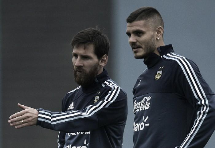 """Apontados como desafetos, Messi nega problemas com Icardi: """"Eu não escolho os convocados"""""""
