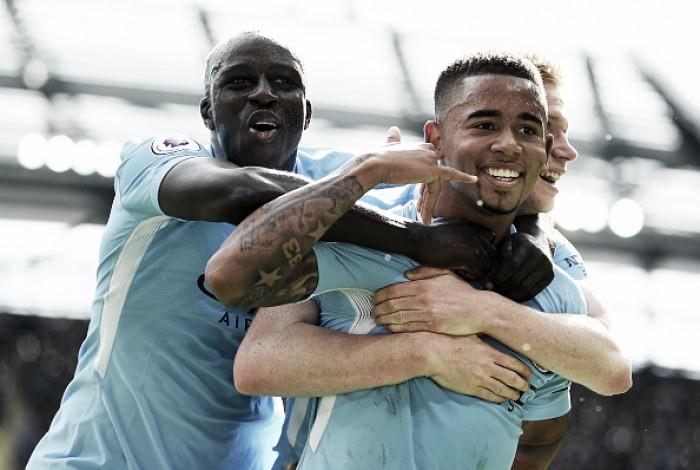Para Guardiola, lesão de Mendy impede que Agüero e Jesus joguem juntos