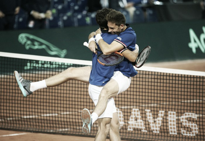 Copa Davis: França vence nas duplas e abre vantagem no duelo contra a Sérvia