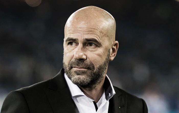 """Após manutenção na liderança, Bosz exalta elenco do Dortmund: """"Estou orgulhoso da equipe"""""""