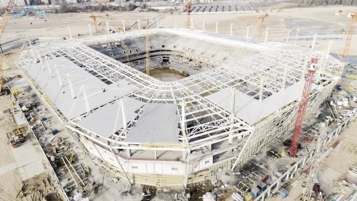 A menos de um ano da Copa do Mundo, estádios russos estão mais atrasados que no Brasil em 2013