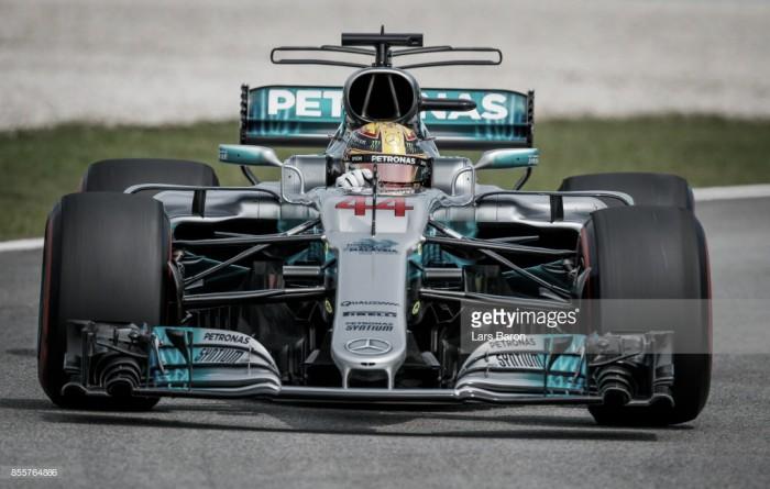 Fórmula 1: Hamilton conquista 'pole' na Malásia