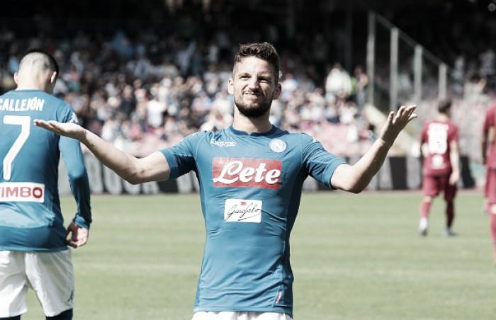 Mertens brilha, Hamsík fica a um gol de igualar recorde de Maradona, e Napoli bate Cagliari