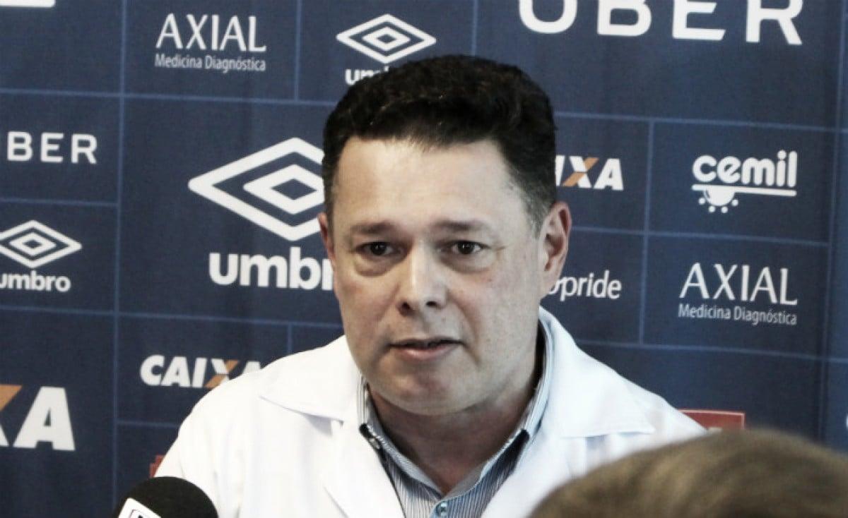 Fred tem duas lesões constatadas e passará por cirurgia, confirma médico do Cruzeiro
