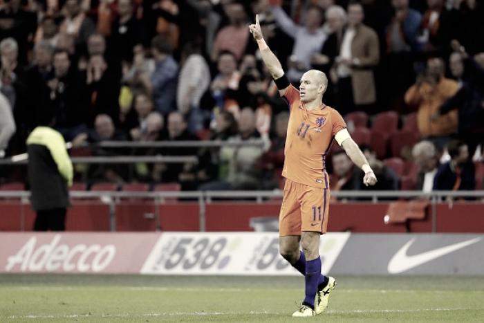 Robben anuncia aposentadoria da seleção após Holanda ficar fora da Copa do Mundo