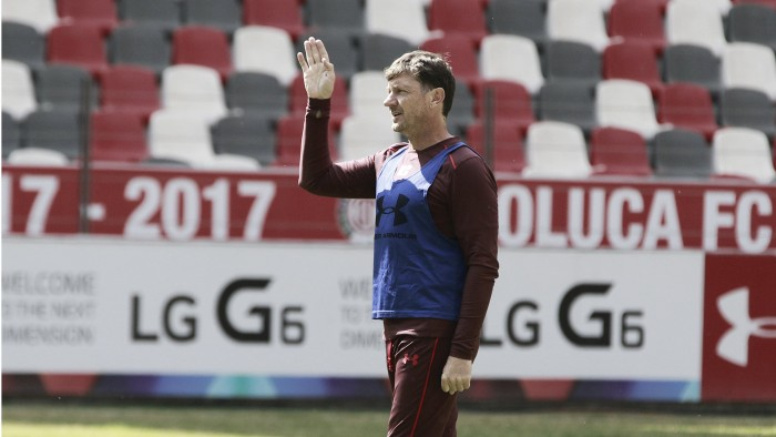 Toluca y Osvaldo González resignaron un empate ante Chivas