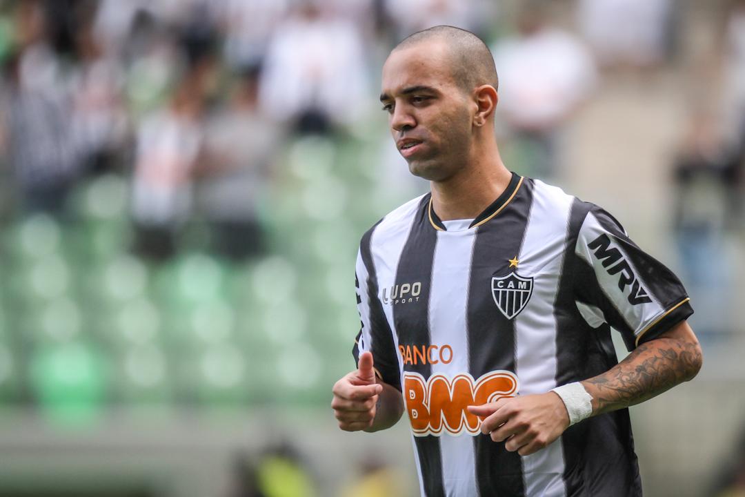 Tardelli treina e deve encarar o São Paulo no Morumbi