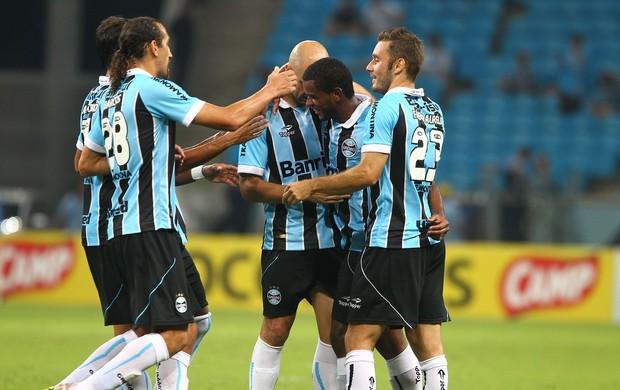 Grêmio vence Cerâmica e avança na Taça Farroupilha