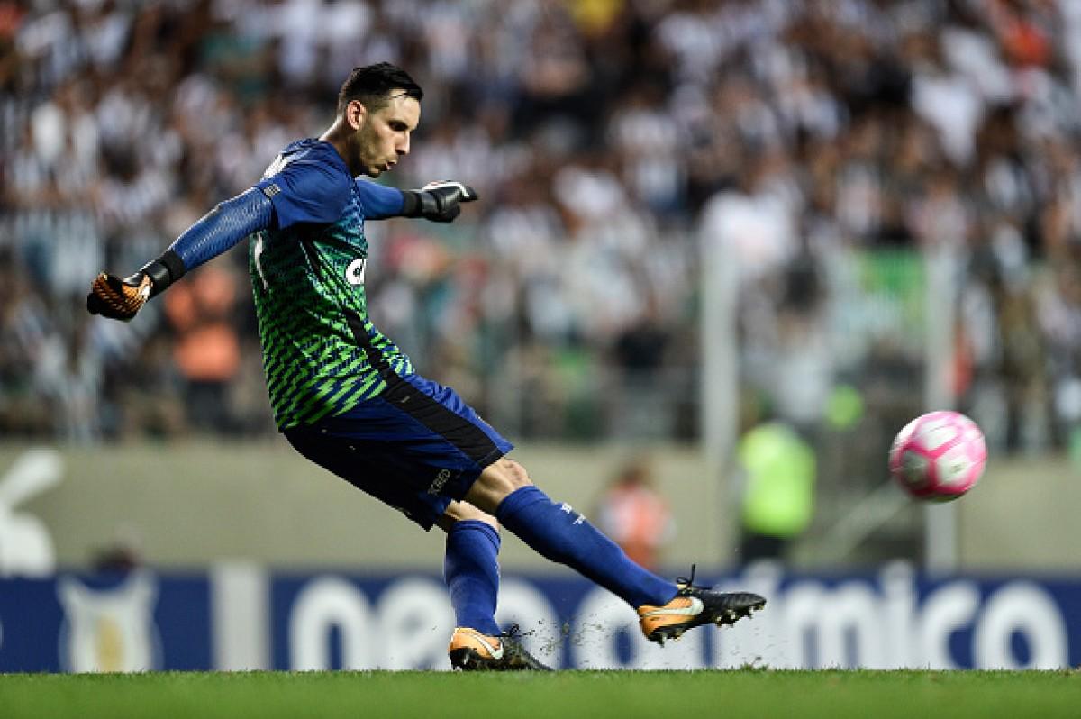 Gatito Fernandez é convocado pela Seleção Paraguaia e pode desfalcar Botafogo na reta final da Taça Rio