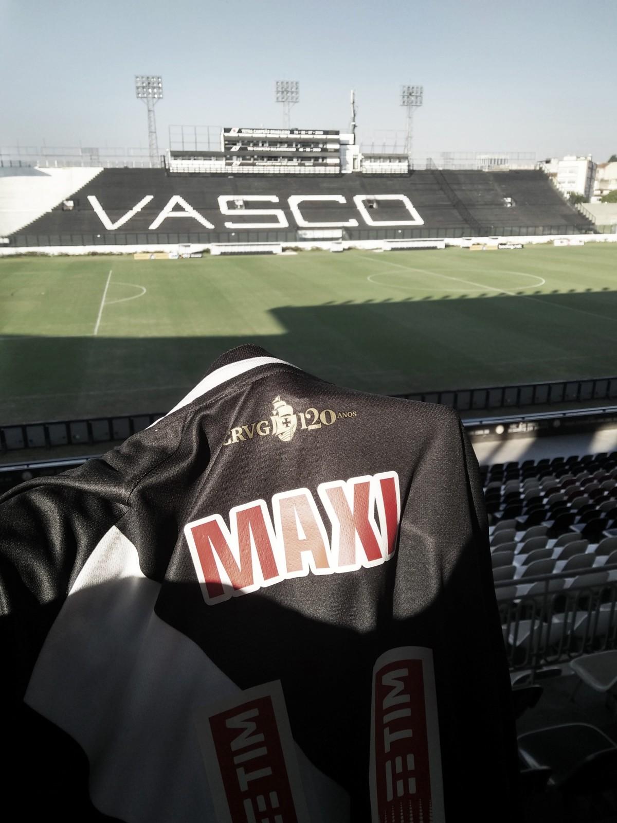 Vasco confirma acordo com Maxi López e aguarda atacante para assinatura de contrato