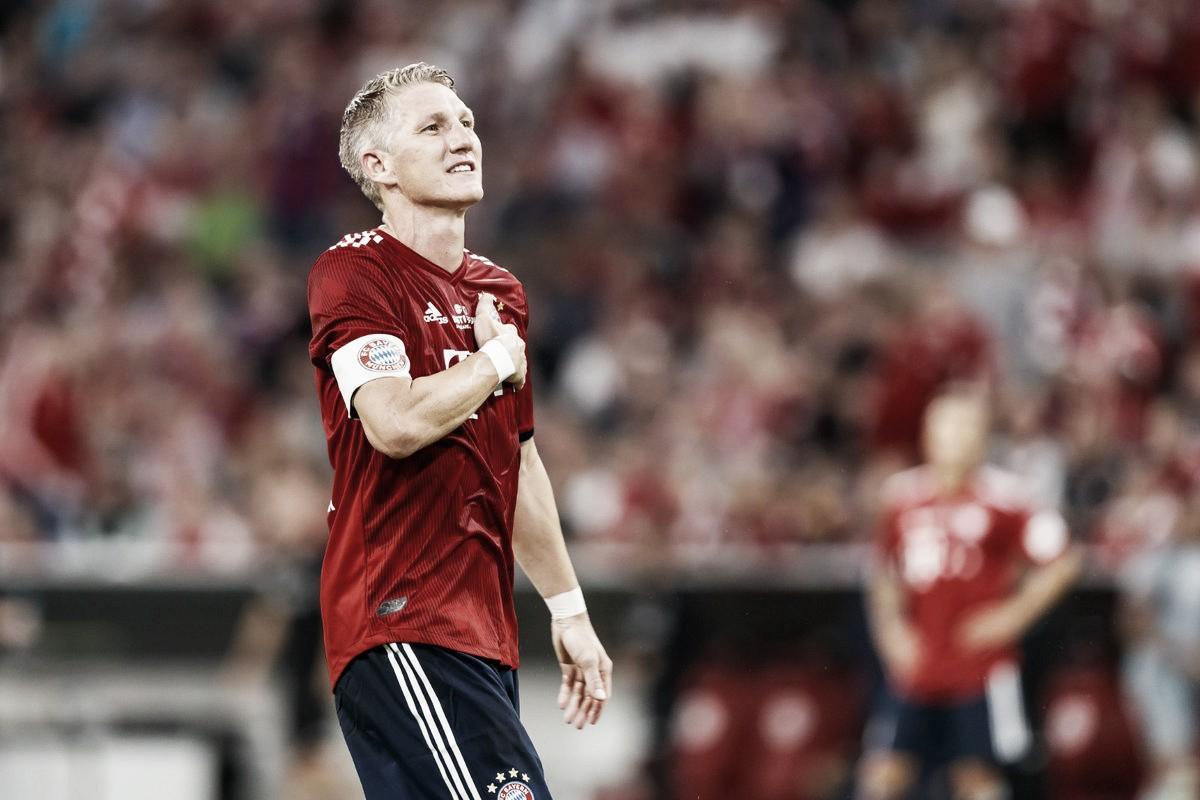 Schweinsteiger marca em jogo de despedida e Bayern goleia Chicago Fire