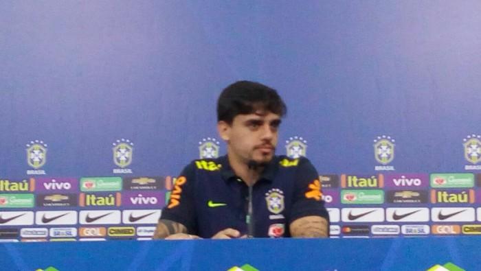 """Titular na Arena Corinthians, Fágner fala em """"curtir cada momento"""" com a seleção"""
