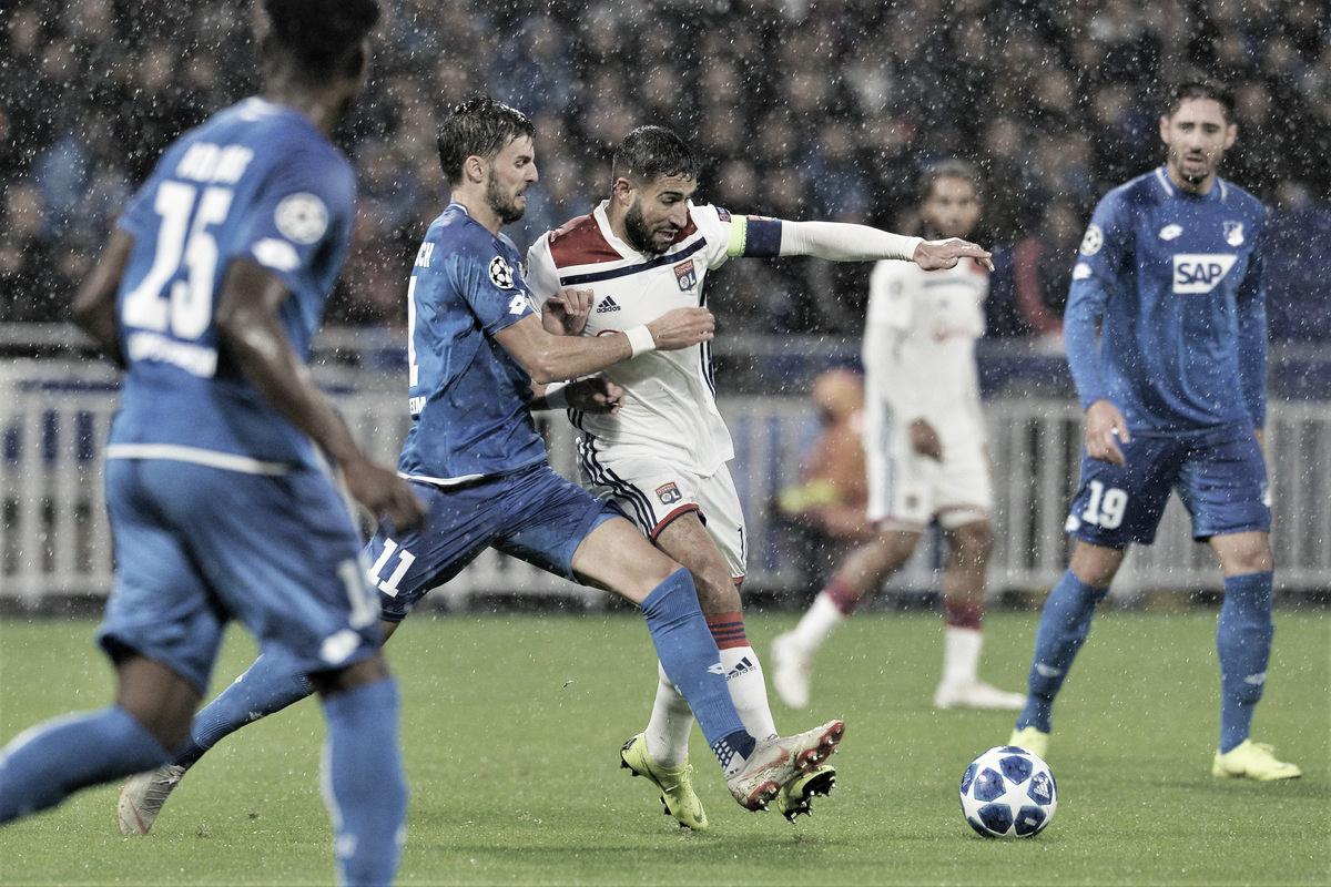 Lyon sai na frente, fica com um a mais, mas cede empate ao Hoffenheim no fim