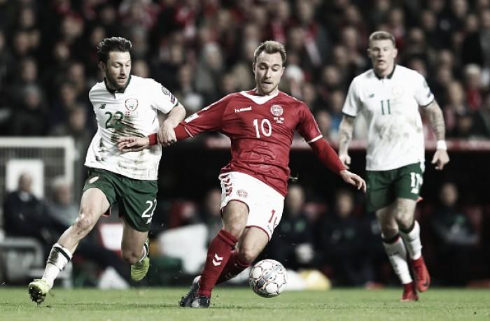 Em jogo morno, Dinamarca e Irlanda só empatam e classificação à Copa segue indefinida