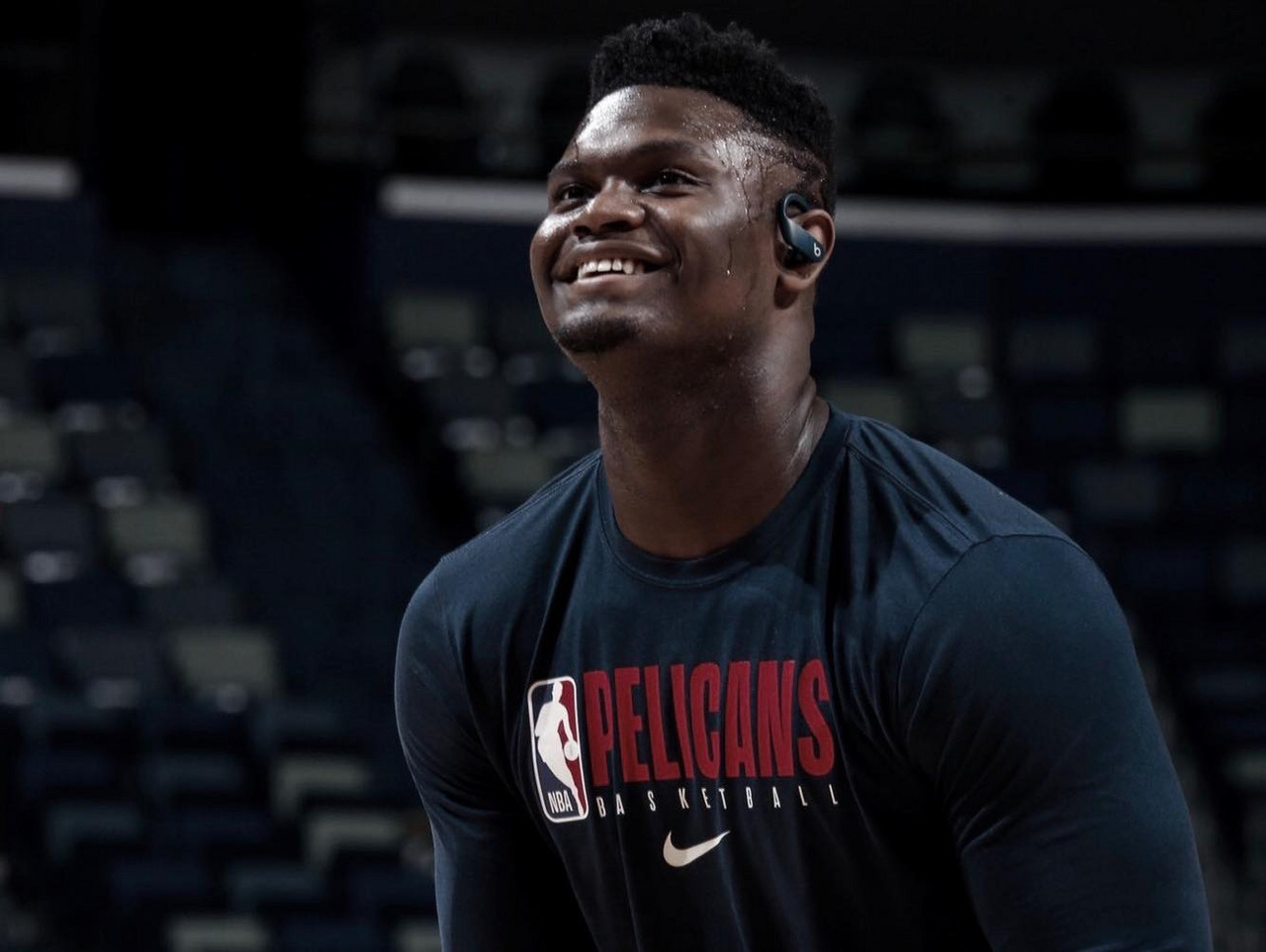 Zion gifts Pelicans players personalized earphones