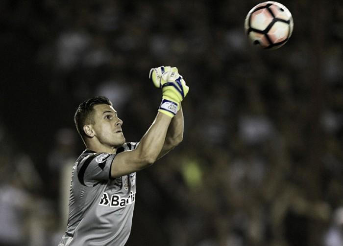 Marcelo Grohe e suas defesas contribuem para Grêmio tricampeão da Libertadores