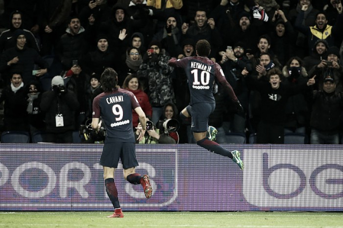 Com gols de Neymar e Cavani, PSG supera Troyes e aumenta distância para segundo colocado