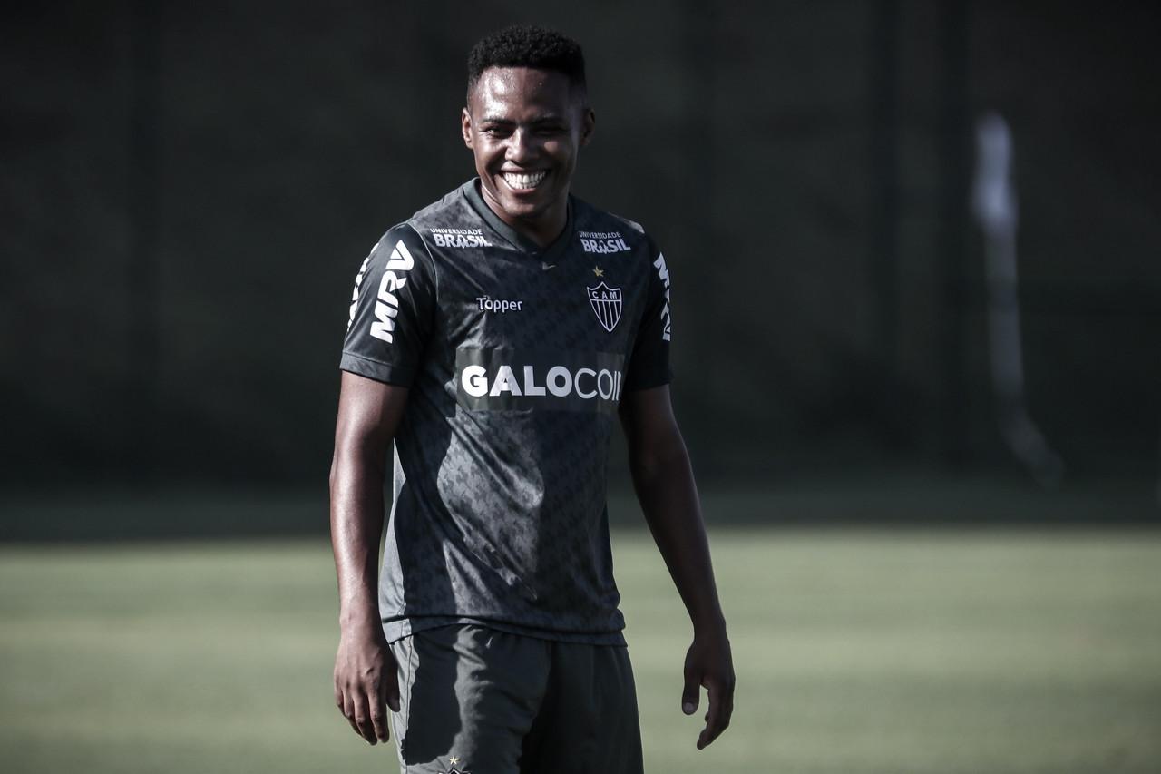 Atlético-MG confirma o nome de Elias na lista para Libertadores