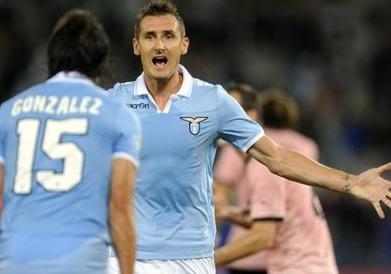 Lazio in vetta, prima vittoria per Catania e Parma