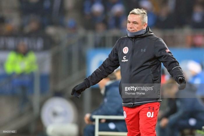 St. Pauli confirm sacking of Olaf Janßen