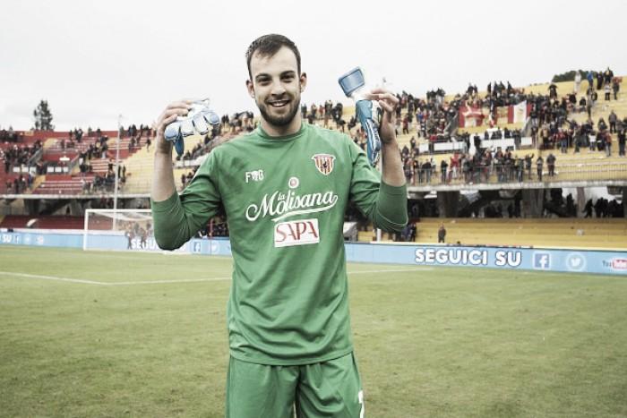 De Sentimenti a Brignoli: a história dos goleiros que marcaram gols na Serie A