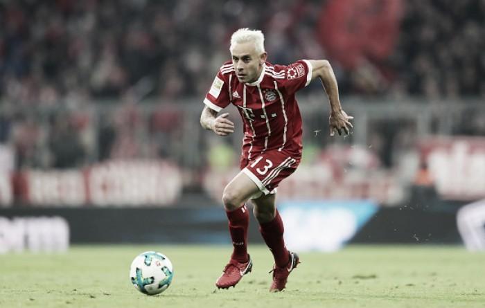 Cruzeiro segue monitorando situação do lateral Rafinha, do Bayern