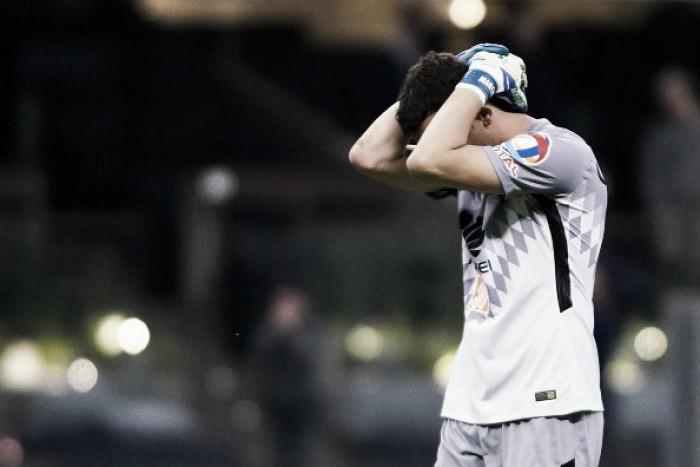 Sufre Agustín Marchesín enfrentando a Tigres
