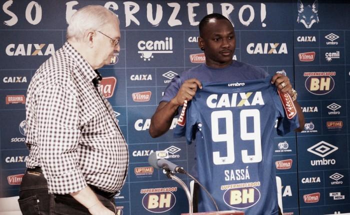 """Após longa negociação, Raposa apresenta Sassá: """"No Cruzeiro é outra coisa, é time grande"""""""