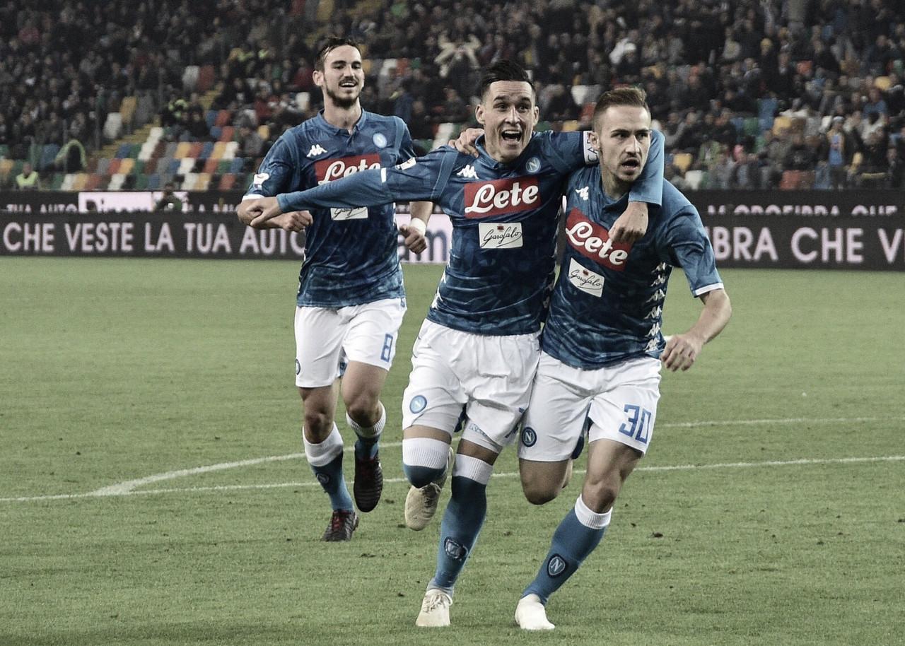 Napoli vence Udinese com autoridade e encosta na líder Juventus